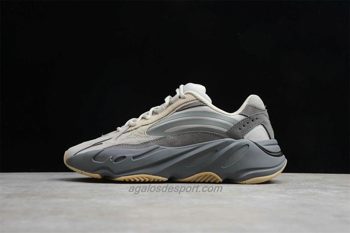 Chaussures Adidas Yeezy Boost 700 V2 Tephra Sable / Gris ...